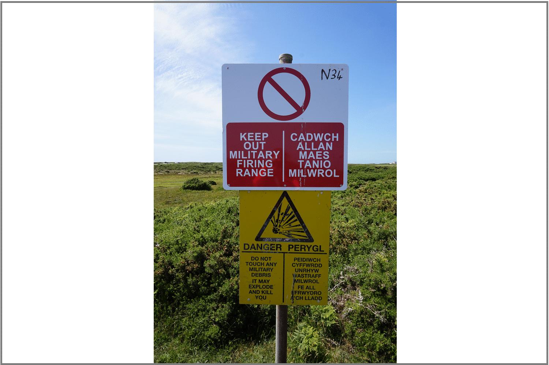 Warnschild Castlemartin