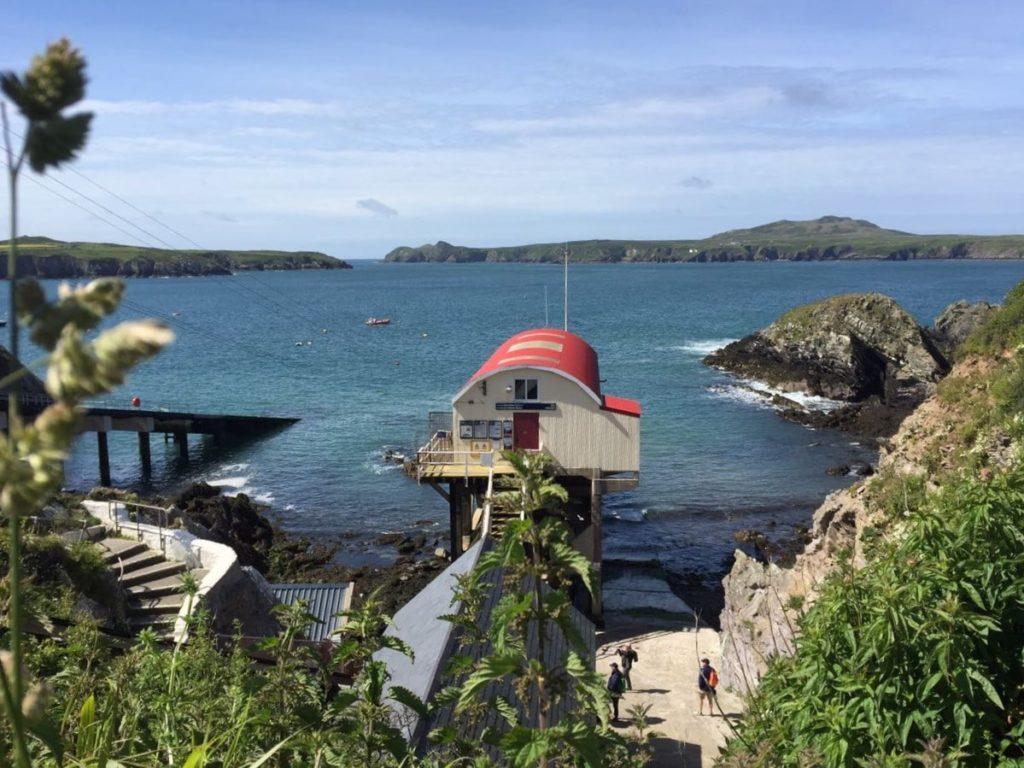Niedliches Bootshaus am Pembrokeshire Coast Path