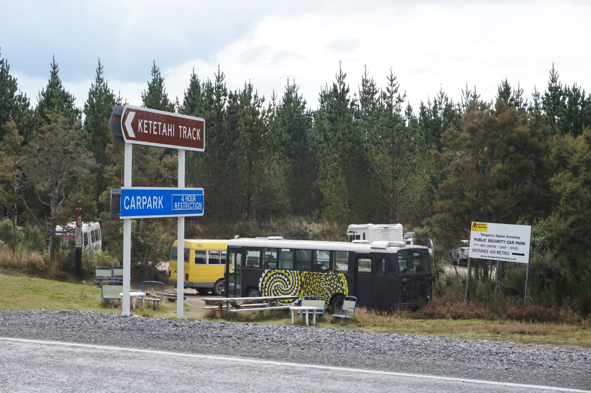 Parkmöglichkeit am Tongariro Alpine Crossing