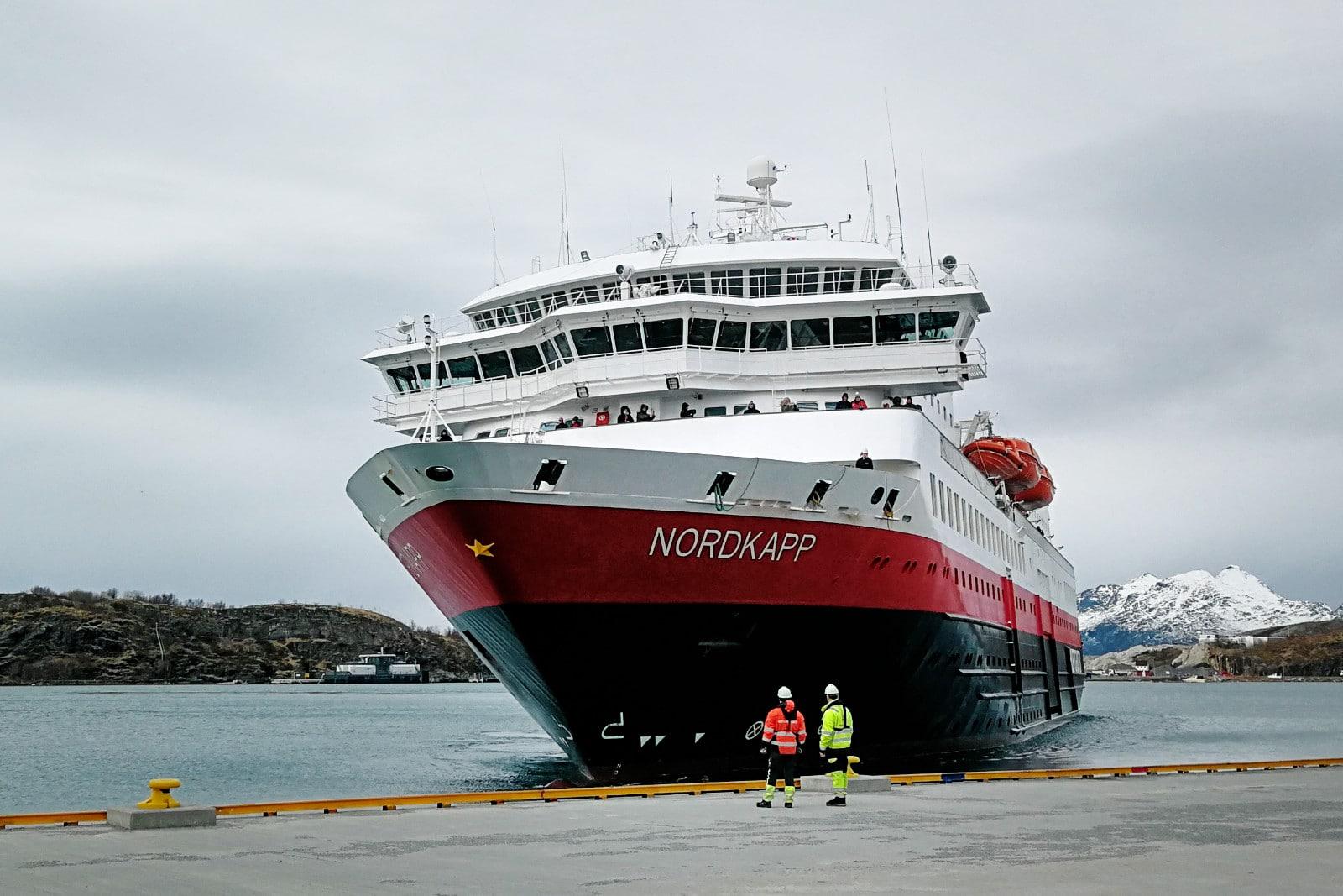 Hurtigrutenschiff